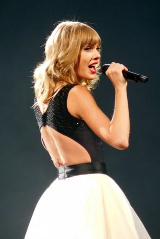 Taylor Swift rocks the world with folk-indie album
